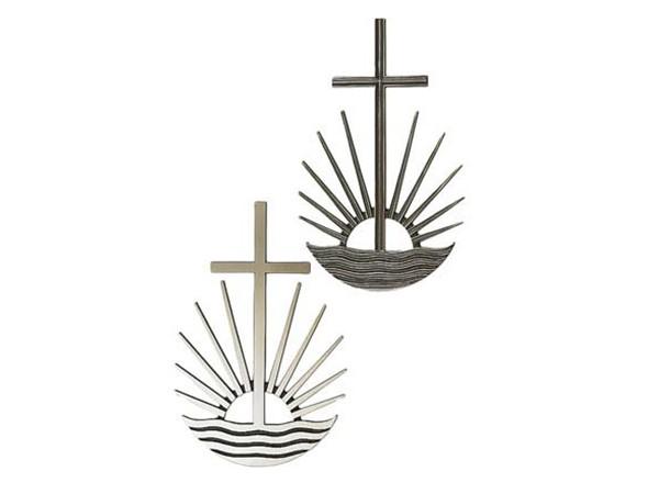 Bronzen kruis met ondergaande zon