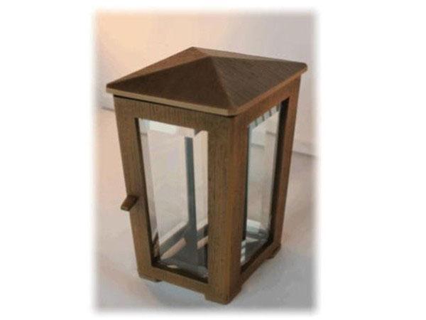 Bronzen-lantaarn-met-punt-dak