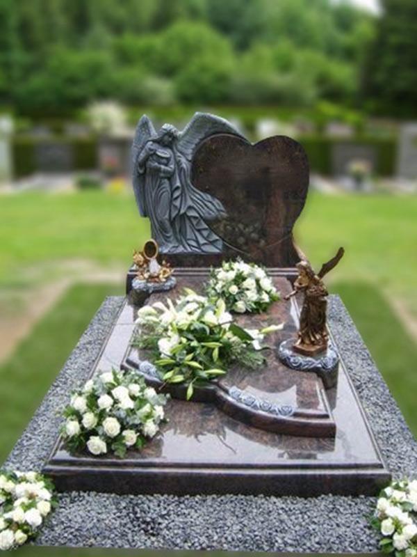Gehakte engel en rozen rondom profiel