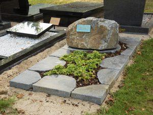 Ruwe grafstenen - Steenhouwerij Rijtink Veenendaal