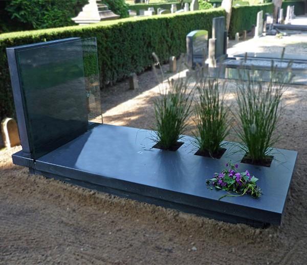 glasplaat en drie plantvakken