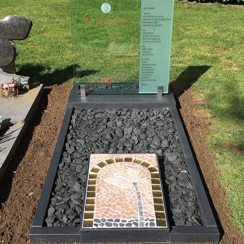 plaatsen grafsteen